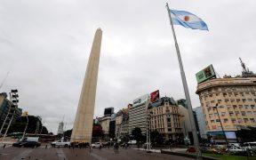 Argentina declara cuarentena total y Brasil cierra fronteras