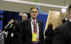 gente-debe-volver-a-trabajar-vicegobernador-texas