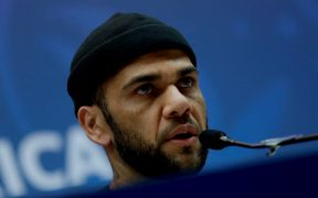 Dani Alves cuestionó a su presidente. (Foto: EFE)