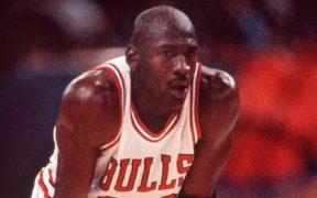 Michael Jordan alcanzó el estrellato con los Chicago Bulls en los 90. (Foto: EFE)