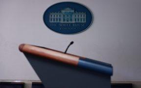 La Casa Blanca programa, cancela y luego reprograma la rueda de prensa