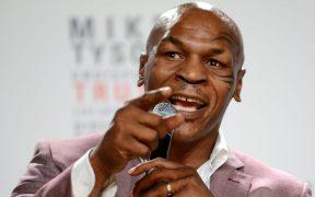Mike Tyson, durante una rueda de prensa. (Foto: EFE)