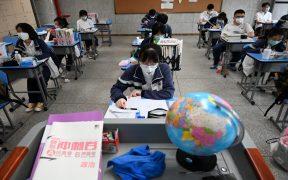 tras-confinamiento-regresan-clase-ninos-wuhan-china