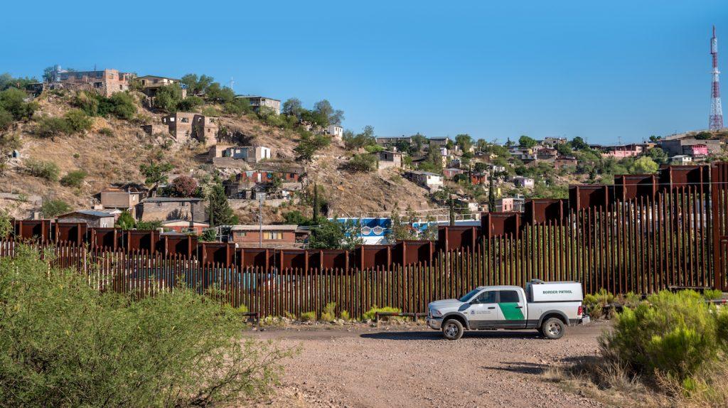 Bajan arrestos en frontera de EU-México por rapidez de deportaciones