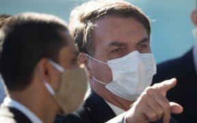 Bolsonaro decreta que gimnasios y peluquerías operen pese a pandemia
