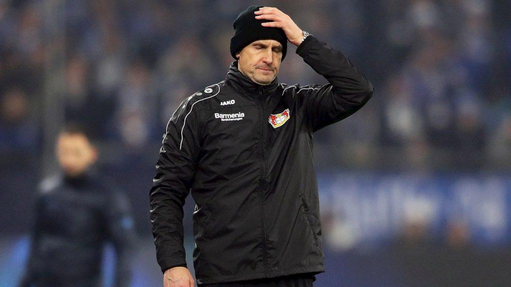 Heiko Herrlich, técnico del Augsburgo, se perderá el reinicio de la Bundesliga. (Foto: EFE)
