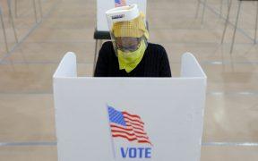 Juez federal dictamina que texanos que teman contraer el Covid-19 puedan votar por correo