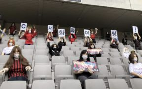 Aunque el FC Seoul se disculpó, recibió una fuerte multa por colocar muñecas en su tribuna.