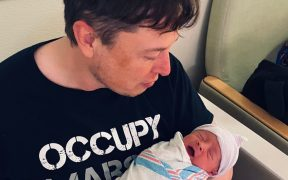 Elon Musk y Grimes cambiaron el nombre de su hijo