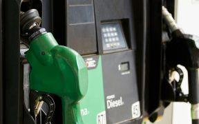 Ventas de gasolina de Pemex caen un 48% en abril