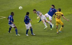 El gol histórico de Moisés Muñoz. (Foto: Mexsport).