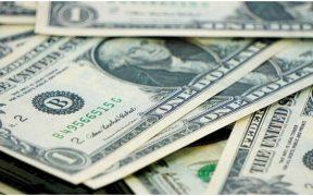 El dólar sube 3% durante el día y cotiza en 22.38 pesos