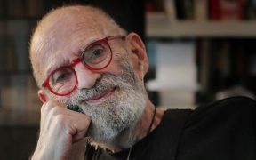 Larry Kramer, dramaturgo y activista, muere a los 84 años
