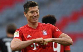 Robert Lewandowski celebra su doblete con el Bayern Munich. (Foto: EFE)