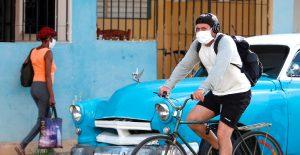 """Cuba declara tener la pandemia """"bajo control"""" y analiza estrategia de desconfinamiento"""