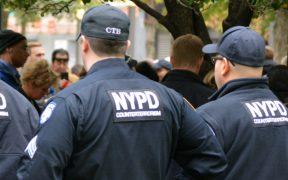 presentan-cargos-policia-ny-agredio-manifestante