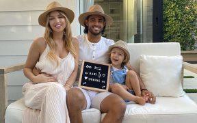 La familia de Carlos Vela anunció así la llegada de su segundo hijo. (Foto: Instagram)