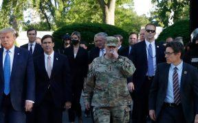 general-ejercito-arrepiente-caminar-trump-protesta