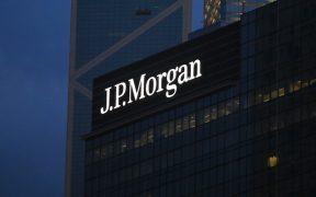 JP Morgan corrige a -10.5% caída de economía de México en 2020