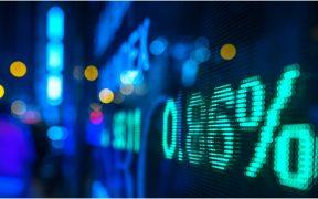 BMV abre en verde por cuarta sesión consecutiva; dólar baja a 21.46 pesos
