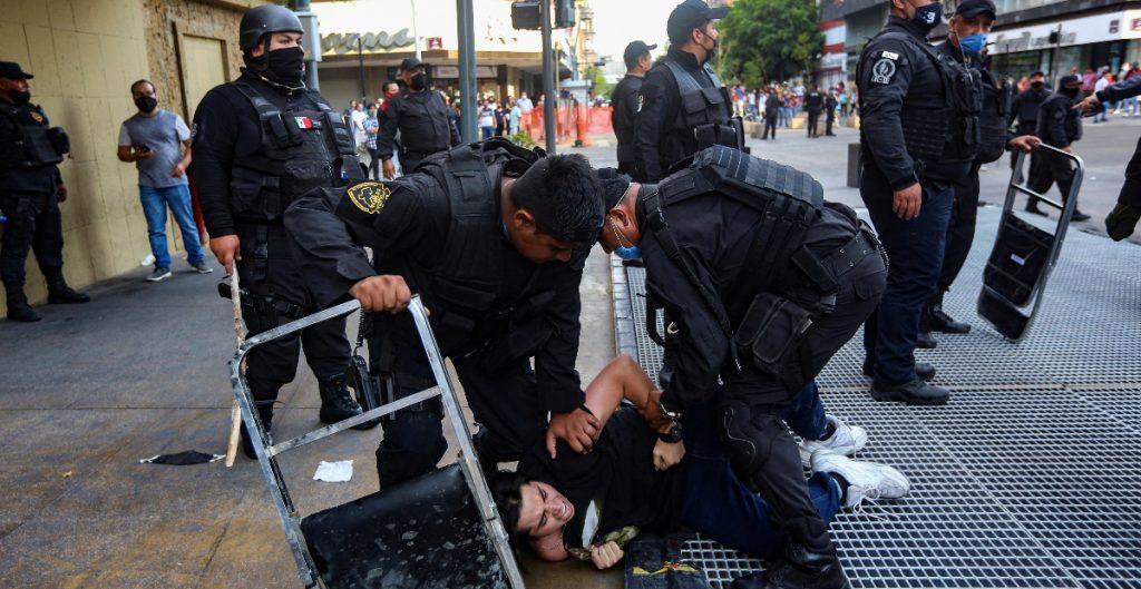 investigan-alcaldes-ligados-violencia-policial-mexico