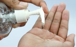 FDA pide no usar gel antibacterial con metanol elaborado por compañía mexicana