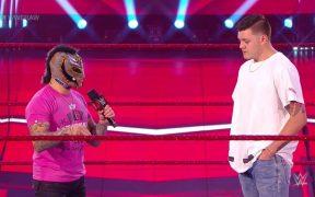 Rey Mysterio y su hijo Dominik reaparecieron en la WWE.