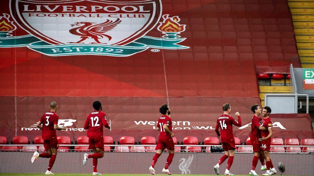 Los jugadores del Liverpool celebran un gol ante Crystal Palace. (Foto: EFE)
