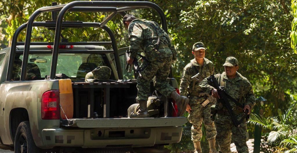 """AMLO ha profundizado """"militarización dentro y fuera del ámbito de la seguridad"""", denuncia organización en EU"""