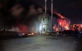 Los servicios de emergencia sofocaron el incendio en el estadio de Mazatlán.