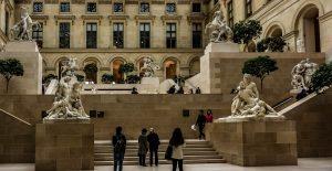 MUSEO LOUVRE REABRE SUS PUERTAS