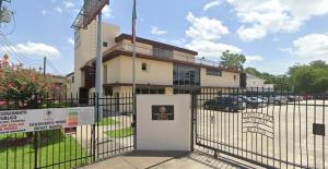 Consulados de México en EU recibirán 2.5 millones de dólares para vacunar a latinos