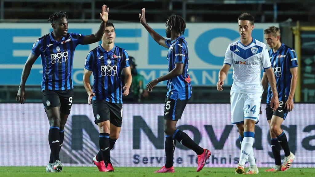 Duván Zapata celebra uno de los tantos en la goleada del Atalanta al Brescia. (Foto: EFE)