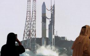 Nave espacial de los Emiratos Árabes Unidos despega de Japón rumbo a Marte