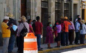 Personas con cubrebocas en Oaxaca