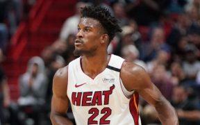 Jimmy Butler solicitó a la NBA usar su playera sin nombre.