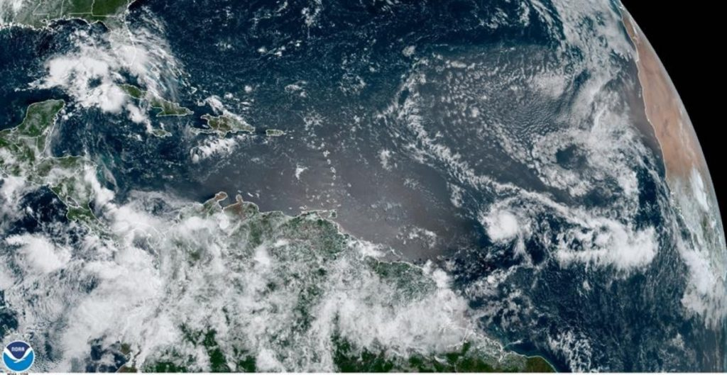 """Se forma la tormenta """"Rose"""" en el Atlántico"""