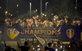 El Leeds United celebró el título de la Championship ante miles de fans. (Foto: EFE)