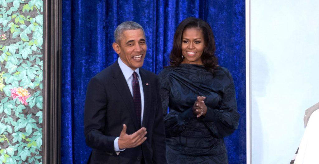 barack-obama-invitado-podcast-debut-michelle-obama