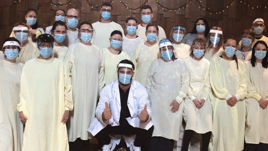 Laurent Duvernay-Tardif es médico en Canadá, donde lucha contra la enfermedad.