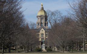 Universidad de Notre Dame se retira del primer debate presidencial