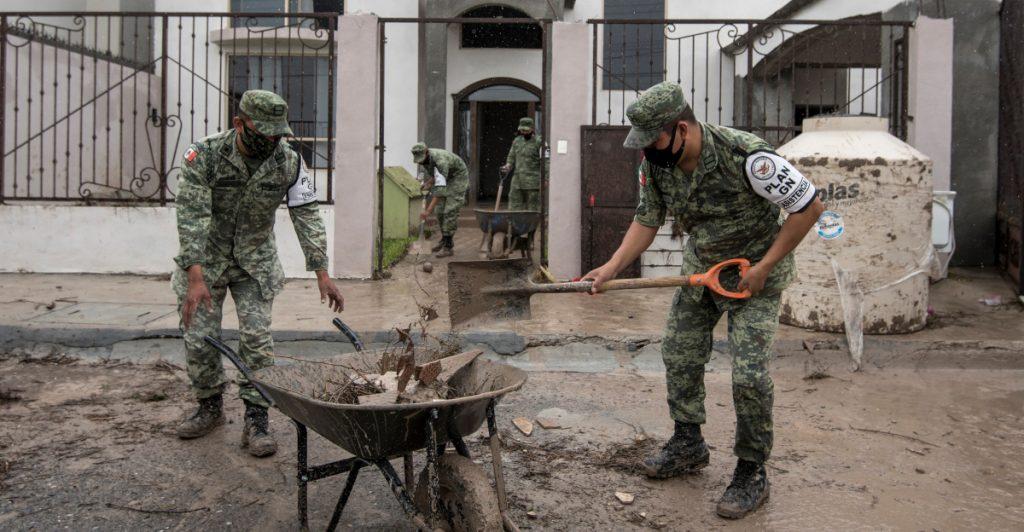Ejército y Guardia Nacional apoyan para ayudar a la población por el paso de 'Hanna'