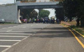 CNTE bloquea carreteras en Michoacán; en 12 horas se retiran.