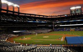 El Comisionado de Grandes Ligas descartó suspender la temporada. (Foto: EFE)