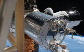 Astronautas de la NASA comienzan el viaje de regreso a la Tierra en la cápsula de SpaceX