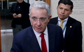 """""""Siento que estoy secuestrado por mentiras"""": Álvaro Uribe"""
