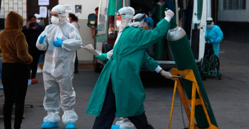 Los rusos consideran que la profesión de doctor se ha vuelto peligrosa por el Covid.