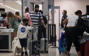 Canadá y más países de la UE restringen vuelos por nueva cepa de Covid