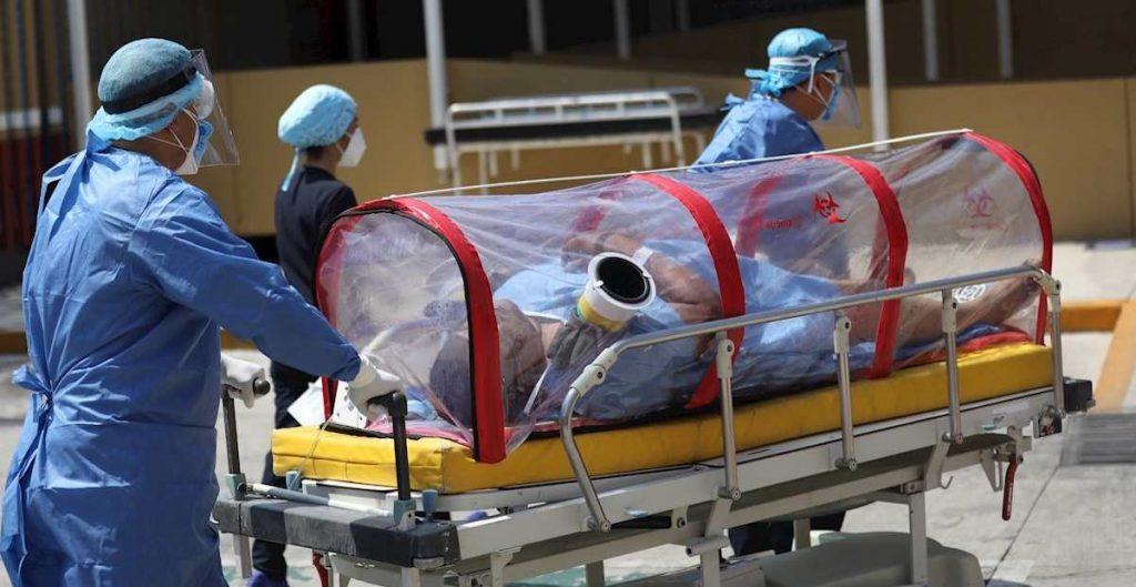 Pandemia de coronavirus rebasa al personal de salud en México