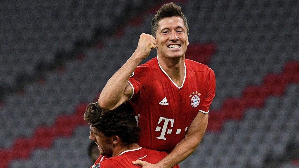 Lewandowski celebra su gol ante el Chelsea. (Foto: EFE)